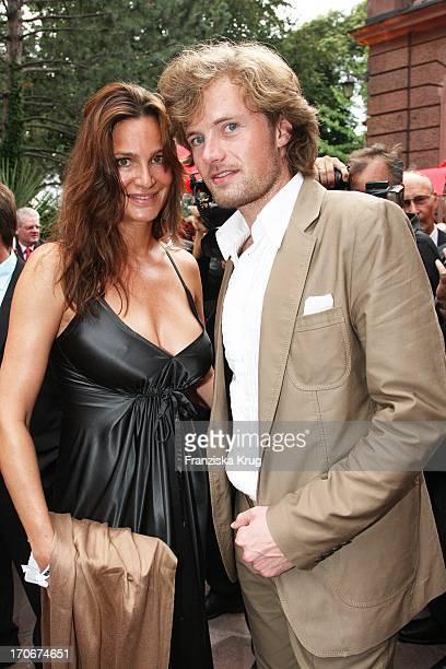 Schauspielerin Alexandra Kamp Mit Ihrem Freund Michael Von Hassel Bei Der Premiere Der Nibelungenfestspiele In Worms