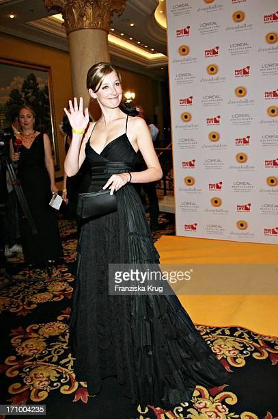 Schauspielerin Alexandra Maria Lara Beim Dreamball Zugunsten Dkms Life Im Ritz Carlton In Berlin Am 210906