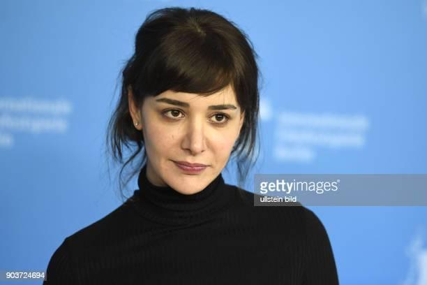 Schauspielerin Algi Eke beim Photocall zum Film KAYGI/INFLAME während der 67 Berlinale