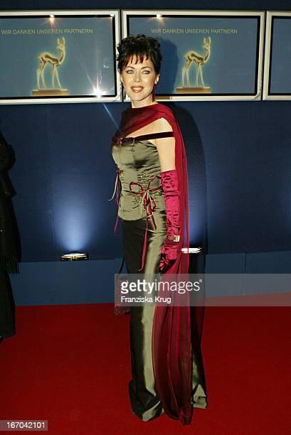 Schauspielerin Anja Kruse Bei Der Verleihung Des Medienpreis Bambi In Hamburg Am 271103