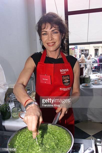 Schauspielerin Anja Kruse Beim Promi Kochen Für Unicef Im Restaurant Lenbach In München Am 200501
