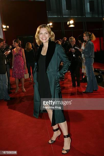 Schauspielerin Anna Loos Liefers Bei Der Verleihung Des Nachwuchspreises New Faces Award Der Zeitschrift Bunte Im Bcc In Berlin Am 070705
