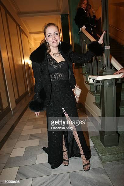 """Schauspielerin Anna Thalbach Bei """"Cinema For Peace"""" Im Konzerthaus In Berlin Am 130206"""