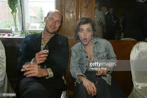 Schauspielerin Anna Thalbach Und Ralf Schmerberg Bei Der Verleihung Des Montblanc De La Culture Arts Patronage Award 2003 Im Palais Lichtenaau In...