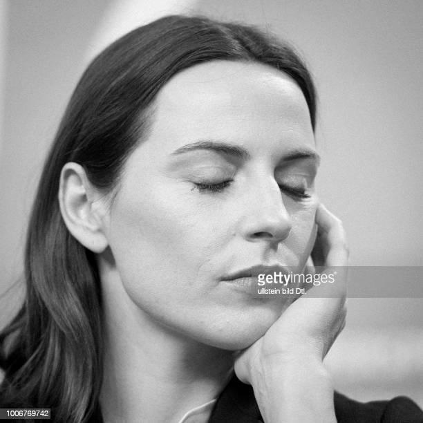 Schauspielerin Antje Traue während der Pressekonferenz zum Film ES WAR EINMAL IN DEUTSCHLAND anlässlich der 67 Berlinale