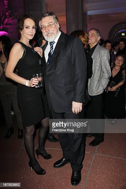 Schauspielerin Anuschka Renzi Und Degeto Geschäftsführer Hans Wolfgang Jurgan Bei Der Ard Blue Hour Opening Party Im Museum Für Kommunikation In...