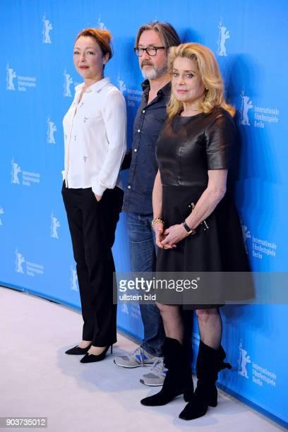 Schauspielerin Catherine Deneuve während des Photo Calls zum Film SAGE FEMME THE MIDWIFE anlässlich der 67 Berlinale