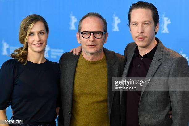 Schauspielerin Cecile de France Regisseur Etienne Comar und Schauspieler Reda Kateb während des Photocalls zum Film DJANGO anlässlich der 67 Berlinale