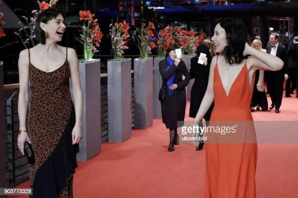 Schauspielerin Christiane Paul und Schauspielerin Sibel Kekilli anlässlich der Eröffnung der 67 Berlinale mit dem Film DJANGO