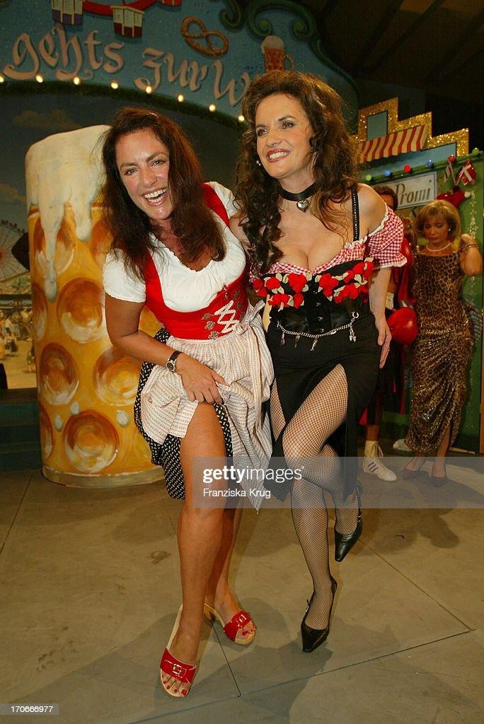 Schauspielerin Christine Neubauer Und Double Sacha Holzheimer (L)Beim 'Prominenten : News Photo