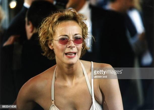 1963 Schauspielerin D Porträt mit Sonnenbrille