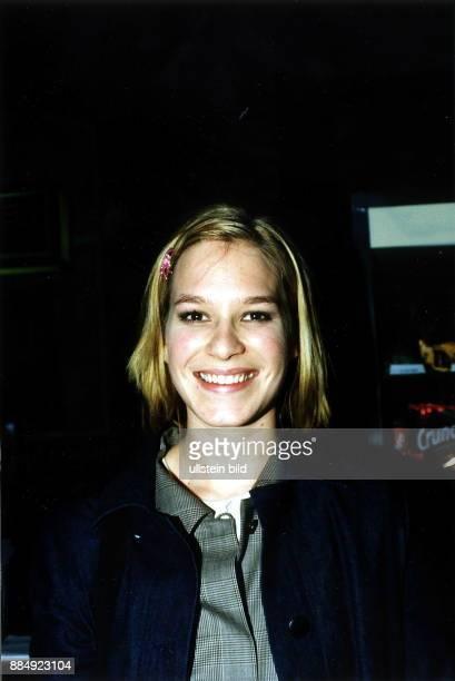 Schauspielerin D Porträt März 1999