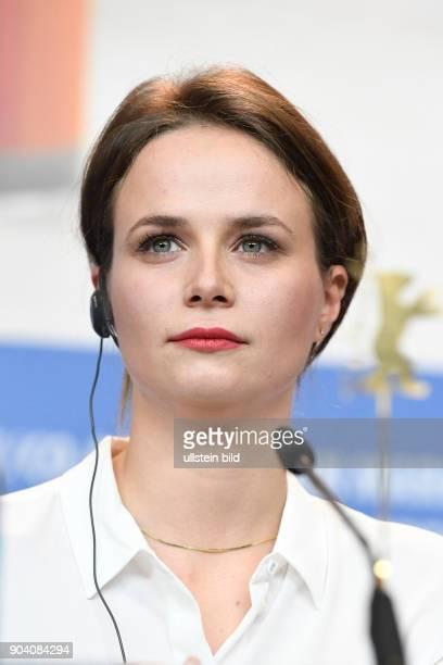 Schauspielerin Diana Cavallioti während der Pressekonferenz zum Film ANA MON AMOUR anlässlich der 67 Berlinale