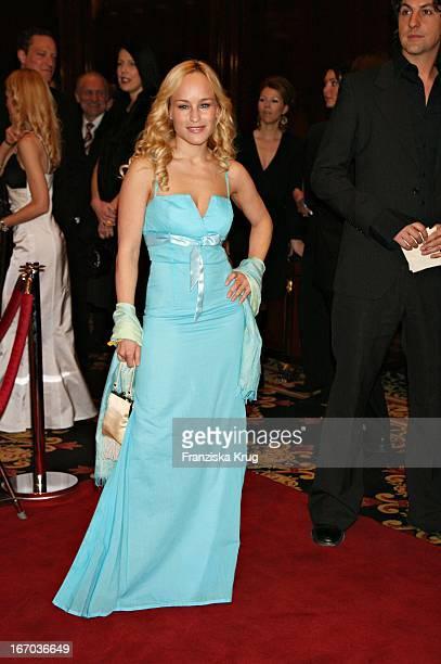 Schauspielerin Dorkas Kiefer In Einem Sonja Kiefer Kleid Bei Der Verleihung Des Felix Burda Award Im Ritz Carlton In Berlin Am 210306