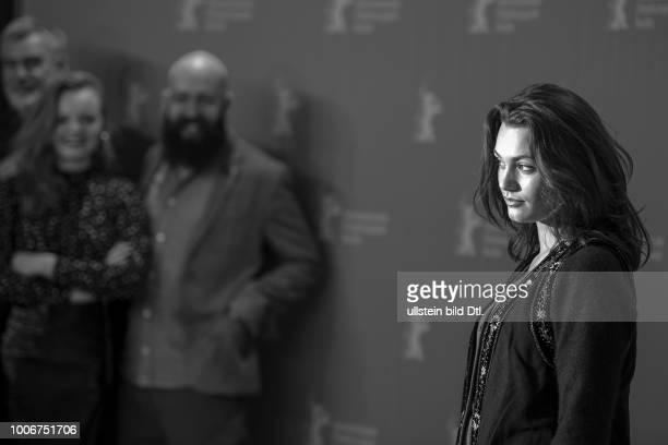 Schauspielerin Ella Rumpf während des Photocall zum Film TIGER GIRL anlässlich der 67 Berlinale