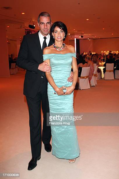 Schauspielerin Gerit Kling Und Ehemann Stefan Henning Beim Rosenball Zugunsten Der Deutschen SchlaganfallHilfe Im Grossen Ballsaal Des Hotel...