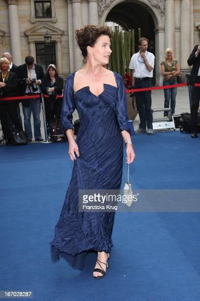 Schauspielerin Gudrun Landgrebe Bei Der Verleihung Der 'Goldenen Feder' In Der Handelskammer In Hamburg Am 230508