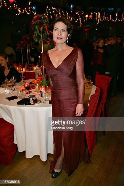 Schauspielerin Gudrun Landgrebe Bei Der Verleihung Des Deutschen Entertainment Award 'Diva' Im Deutschen Theater In München Am 270105