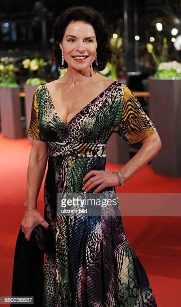 Schauspielerin Gudrun Landgrebe während der Premiere des Eröffnungsfilms The International anlässlich der 59 Internationalen Filmfestspiele in Berlin