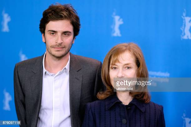 Schauspielerin Isabelle Huppert und Schauspieler Roman Kolinka während des Photo Calls zum Film L'Avenir/Things To Come anlässlich der 66...