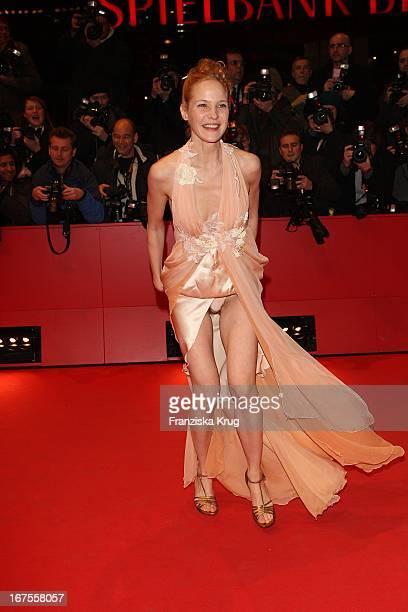 Schauspielerin Jeanette Hain Bei Der 'Der Vorleser' Premiere Bei Der 59 Berlinale In Berlin
