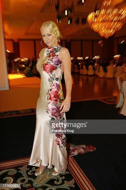 Schauspielerin Jenny Elvers Elbertzhagen Beim Dreamball Zugunsten Dkms Life Im Ritz Carlton In Berlin Am 210906