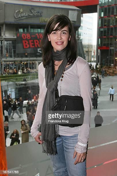 Schauspielerin Julia Maria Köhler Beim Pro7 Brunch Am 140207 In Berlin Im Rahmen Der 57 Internationalen Filmfestspiele Zur Berlinale Im Josty