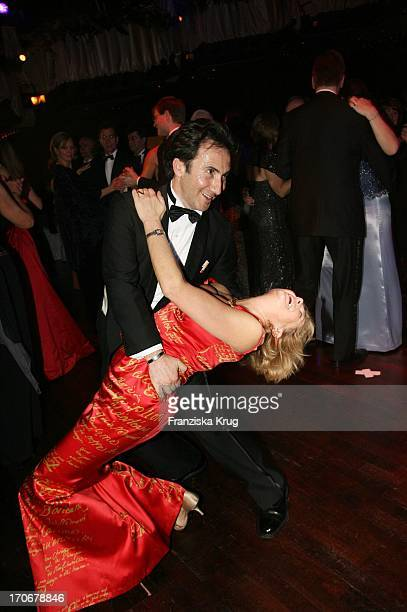 Schauspielerin Jutta Speidel Und Freund Bruno Maccallini Beim Deutschen Opernball In Der Alten Oper In Frankfurt Am 250206