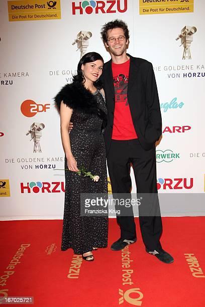 Schauspielerin Katharina Wackernagel Und Jonas Grosch Bei Der Verleihung Der Goldenen Kamera In Berlin Am 060208