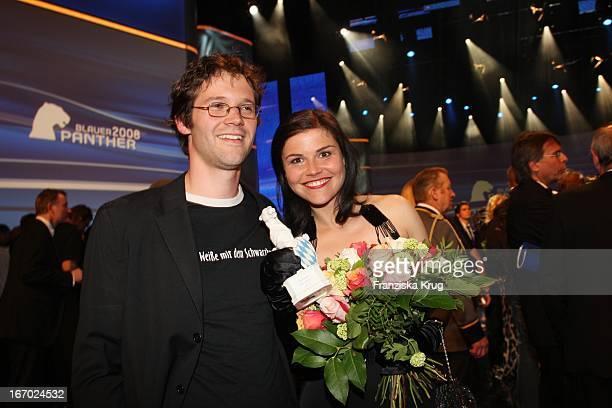 Schauspielerin Katharina Wackernagel Und Jonas Grosch Bei Der Verleihung Des Bayerischen Fernsehpreis Im Prinzregententheater In München Am 090508