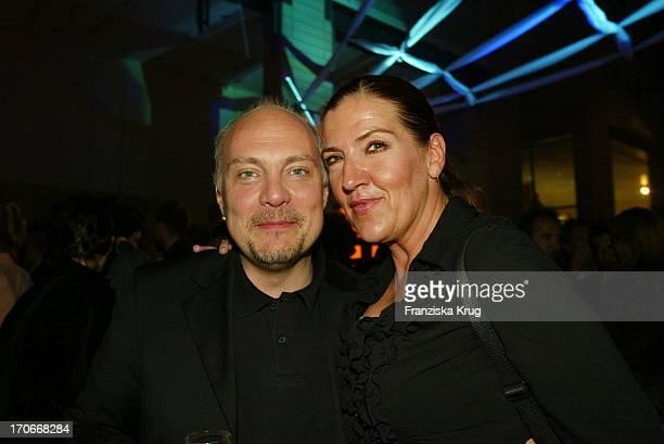 Schauspielerin Katy Karrenbauer Und Moderator Thomas Koschwitz Bei Der Spiderman Premiere Im Cinestar In Berlin Am 270502