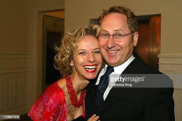 Schauspielerin Mareike Carriere Mit Ehemann Gerd JKlement Bei Couple Of The Year Valentine'S Dinner Im Louis C Jacob In Hamburg Am 020204