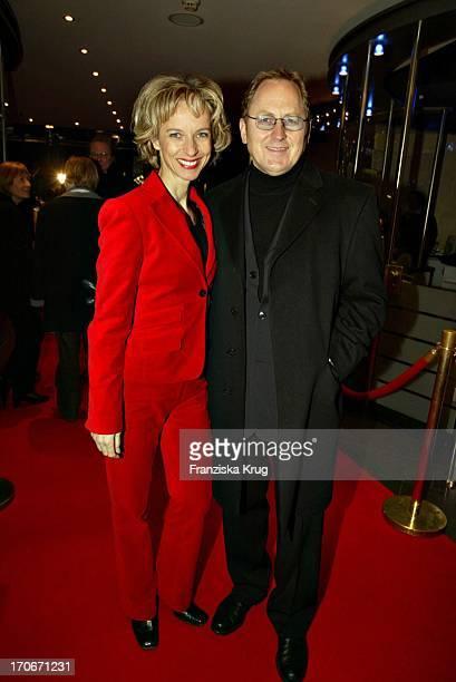 Schauspielerin Mareike Carriere Und Ehemann Gerd Bei Der Premiere Von Blueprint Im Cinemaxx Kino In Hamburg