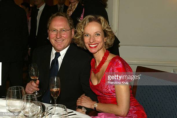 "Schauspielerin Mareike Carriere Und Ehemann Gerd J.Klement Bei ""Couple Of The Year"" Valentine'S Dinner Im Louis C. Jacob In Hamburg Am 020204"