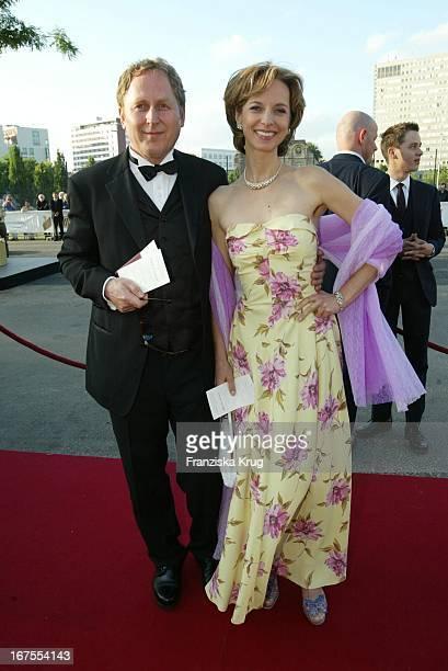 Schauspielerin Mareike Carriere Und Ehemann Gerd Klement Bei Der Verleihung Des Deutschen Filmpreis 2002 Im Berliner Tempodrom