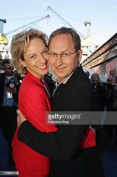 Schauspielerin Mareike Carriere Und Ehemann Gerd Klement Beim Zdf Hansetreff Im Dock 10 Der Hamburger Werf BlohmVoss In Hamburg Am 030604
