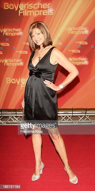 Schauspielerin Maren Gilzer Bei Der 30 Verleihung Des Bayerischen Filmpreis Im Cuvillies Theater In München Am 160109