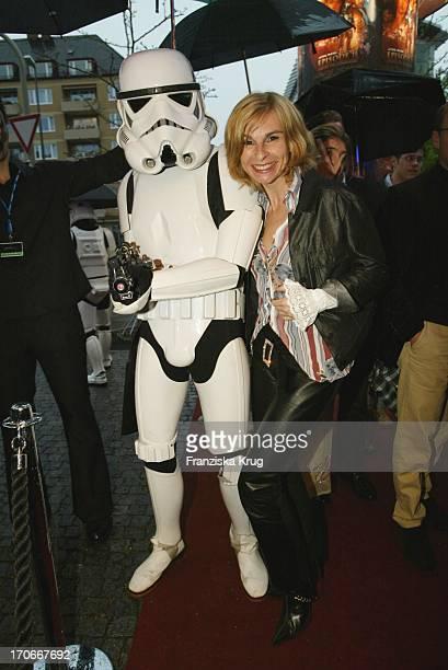 Schauspielerin Maria Bachmann Bei Der Charity Vorpremiere Star Wars Episode Ii Im Münchener Cinema Zugunsten Der Stiftung Horizont