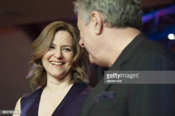 Schauspielerin Martina Gedeck und Begleitung anlässlich der Eröffnung der 67 Berlinale mit dem Film DJANGO