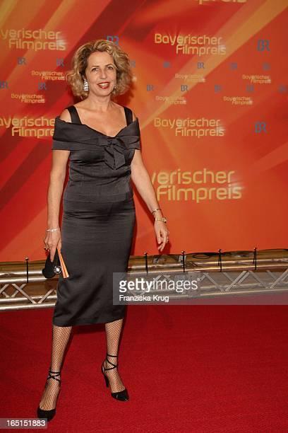 Schauspielerin Michaela May Bei Der 30 Verleihung Des Bayerischen Filmpreis Im Cuvillies Theater In München Am 160109