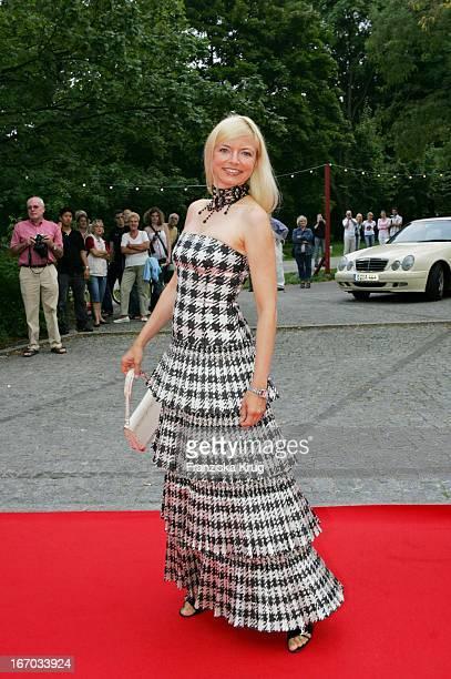 Schauspielerin Michaela Merten Bei Der Verleihung Des Brisant Brillant Im Tipi Zelt Am Kanzleramt In Berlin Am 030905