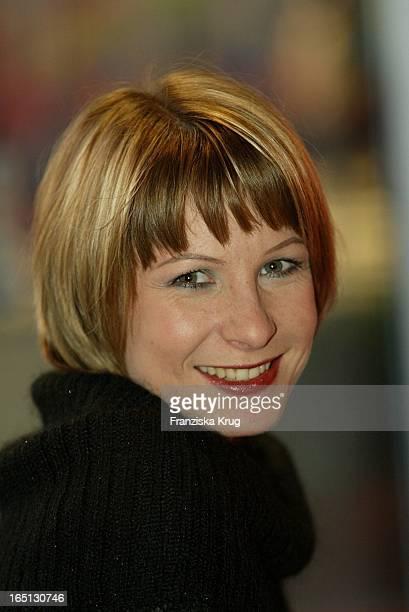 Schauspielerin Nadine Seiffert Im Porträt In Berlin Am 130204