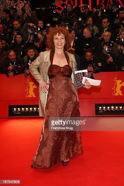Schauspielerin Nina Hoger Bei Der Eröffnung Mit Dem Film Shine A Light Der Berlinale In Berlin Am 070208
