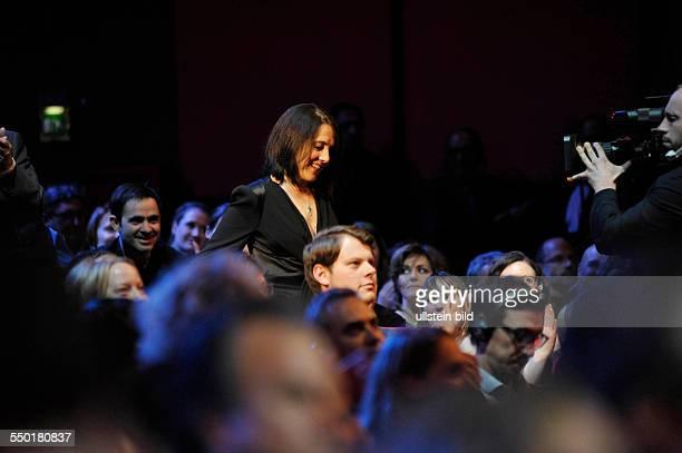 Schauspielerin Paulina Garcia auf dem Weg zur Bühne anlässlich der Preisverleihung der 63. Internationalen Filmfestspiele in Berlin