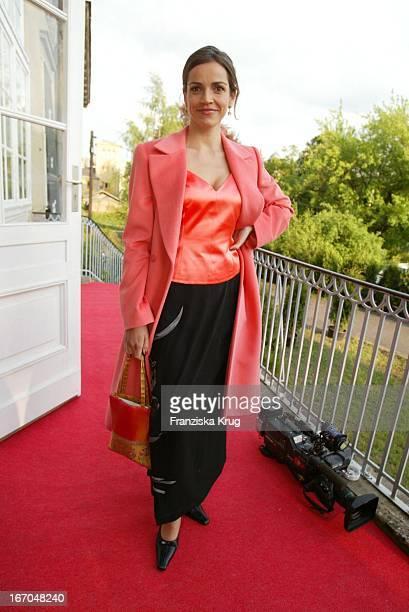 Schauspielerin Rebecca Immanuel Bei Der Verleihung Des Montblanc De La Culture Arts Patronage Award 2003 Im Palais Lichtenaau In Potsdam
