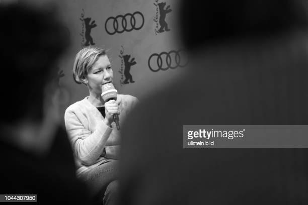 Schauspielerin Sandra Hüller im Gespräch mit dem Deutschlandfunk Kultur in der Audi Berlinale Lounge anlässlich der 68 Berlinale