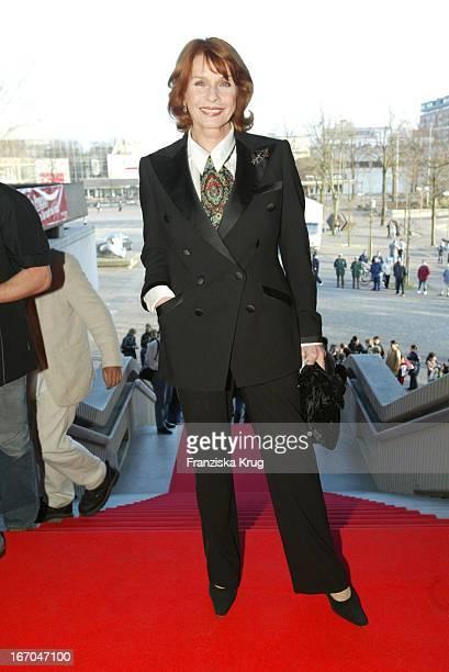 Schauspielerin Senta Berger Bei Der Verleihung Des Adolf Grimme Preis In Marl 210303