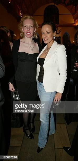 Schauspielerin Sonja Kirchberger Und Schauspielerin Sunnyi Melles Bei Premiere Leo Claire In Nürnberg Am 160402