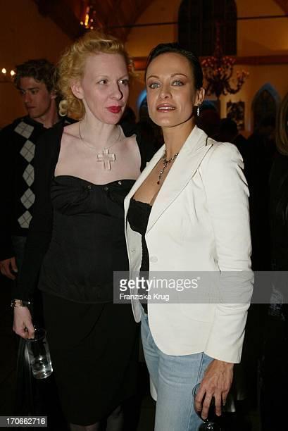 Schauspielerin Sonja Kirchberger Und Sunnyi Melles Bei Premiere Leo Claire In Nürnberg Am 160402