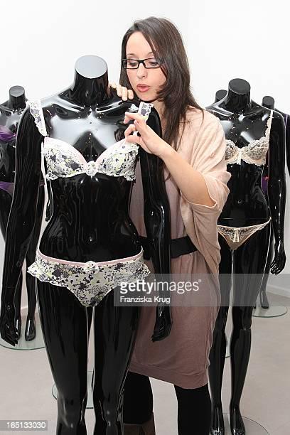 Schauspielerin Stephanie Stumph Beim European Launch Elle Macpherson Intimates In Der Galerie Morgen Am 121109 In Berlin